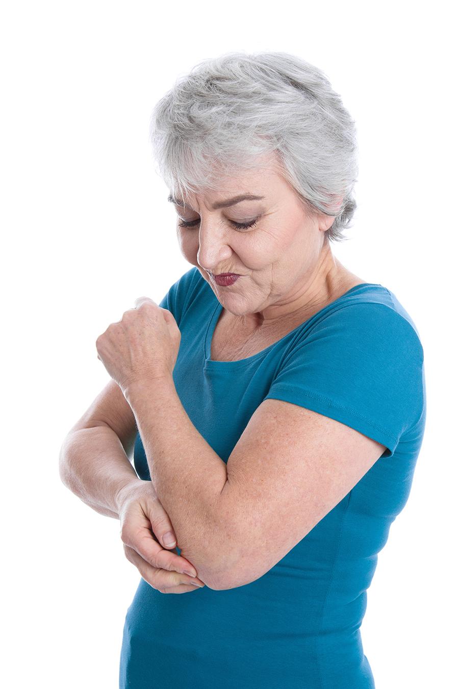 Anziana dolore gomito